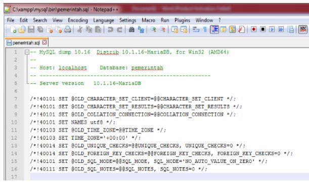 Gb. 3 Membuka file pemerintah.sql di notepad ++